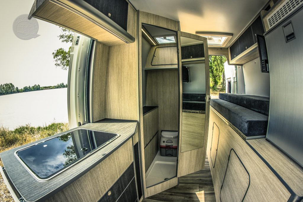 interior furgoneta camper